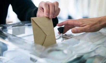 """Votez pour qui vous voulez, mais <span class=""""caps"""">NE</span> votez <span class=""""caps"""">PAS</span>pour…"""
