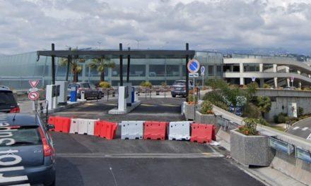 Dépose-minute aéroport de Nice: kiss, queue and pay! (lasuite)