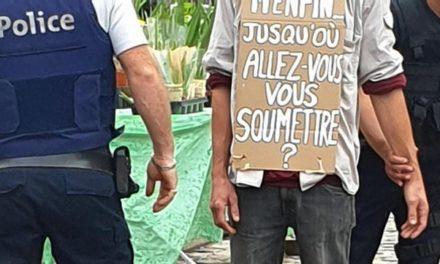 """Le masque, marqueur de la soumission du<span class=""""caps"""">RN</span>"""