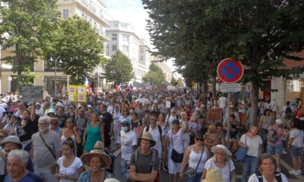 Nice: le Pouvoir ne parvient pas à endiguer la colère populaire (vidéo)
