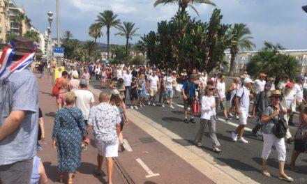 Nice: mobilisation historique contre le passeport numérique