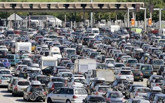 Embouteillage péage autoroute
