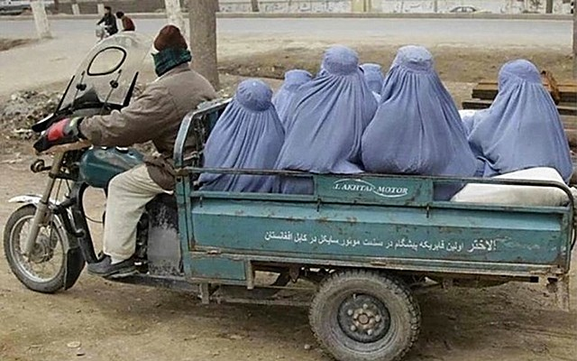 Femmes afghanes - burqa